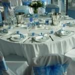 dekoracija stola plava
